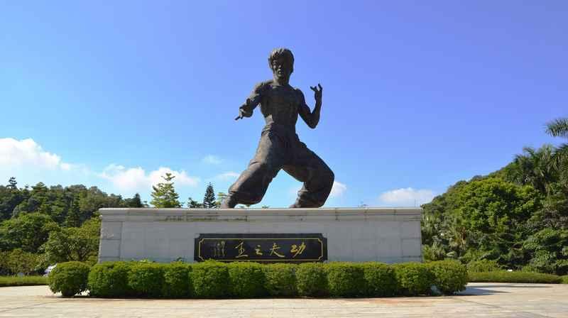 Bruce Lee memorial statue in Foshan